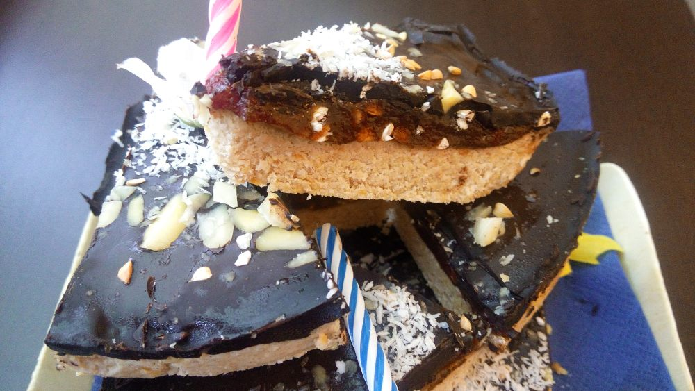 Der Duft von Brot |Vegane Roggen-Mais Laibe mit bunter Füllung.