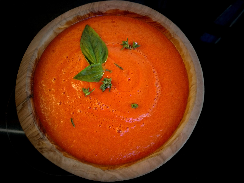 5 Minuten Rohkostsuppe. Vegane Miso-Tomatensuppe aus dem Blende.
