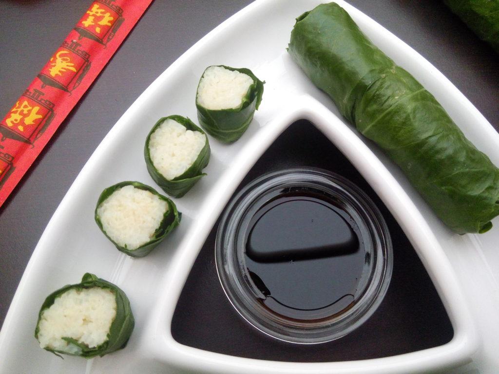 vegane Kohlrabiblätter kurz blanchiert und mit Reis gefüllt - vegane Rezeptideen mit Kohlrabiblättern
