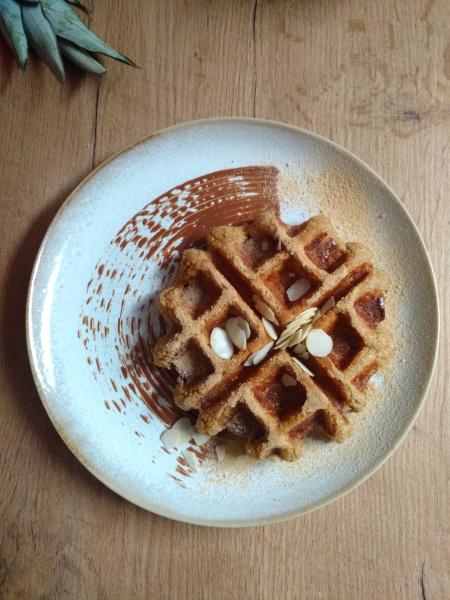 Easy Peasy Apfelstreuselkuchen. Mit Hafer Mürbeteigboden & Vanille Joghurt Eis, ohne Eismaschine.