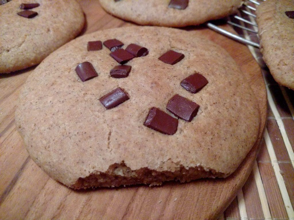 Vegane Ofen-Pancakes mit Buchweizen und Schokolade