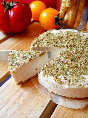 Veganer Joghurt-Nusskäse mit Tahin