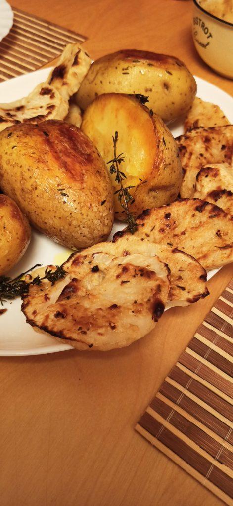 Vegane Backkartoffeln und gebackener Knollensellerie