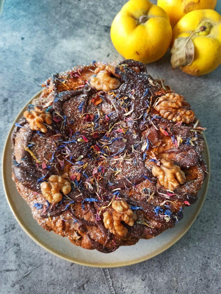 Veganer Quittenkuchen ohne Öl, mit Haferflocken und gesalzener Schokolade