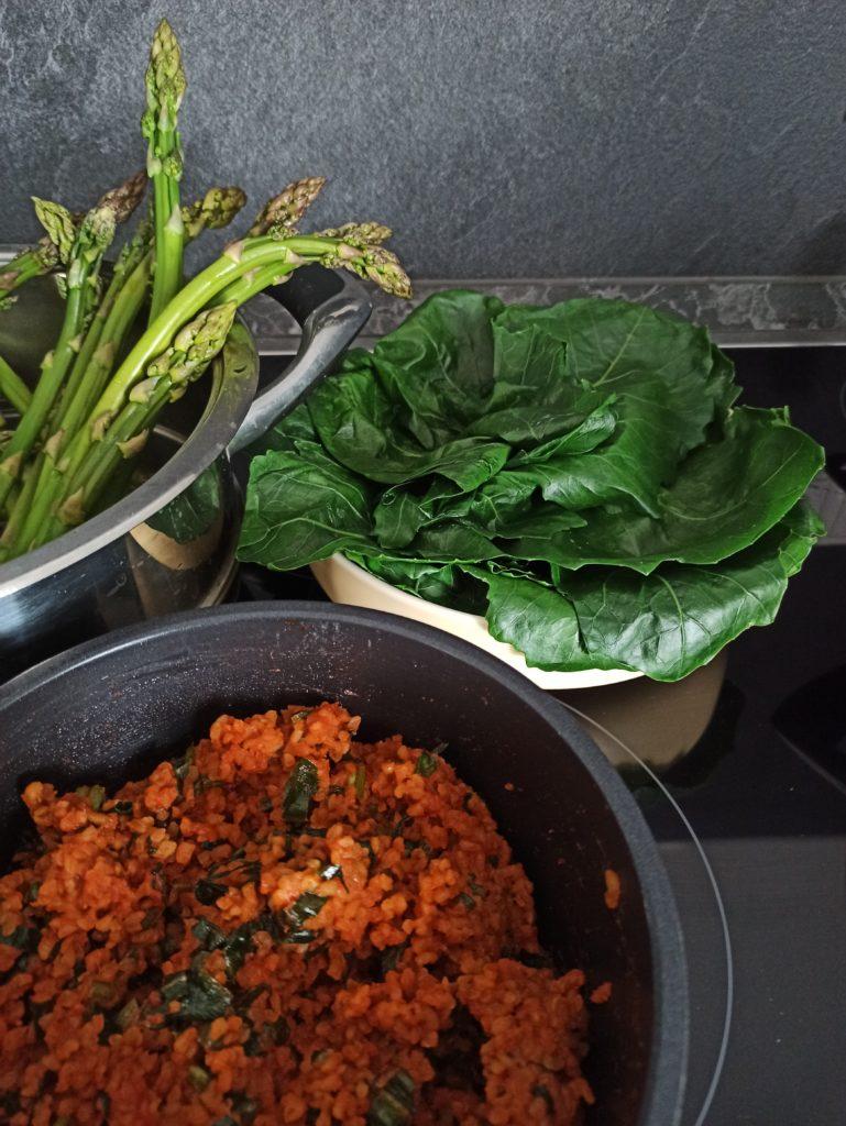 Veganes Kohlrabi Blätter Rezept mit Bulgur